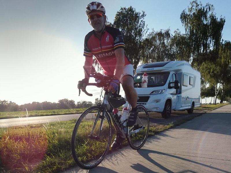 Weltrekord mit Handicap: Michael Büttner beim extremsten Radrennen Deutschlands