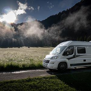 Zwischen Bergseen, Alpen & zauberhaften Mythen – Unterwegs im BOXLIFE