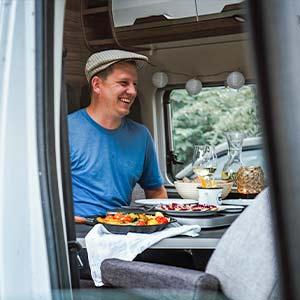 Genussvoll unterwegs: Kochen im Landvergnügen-Mobil von KNAUS